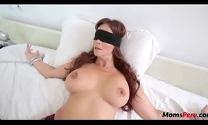 Perv young gentleman copulates mom's mouth later on shes blindfolded!