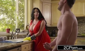 Fat gaffer stepmom's cum cleaning - sybil stallone