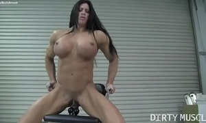 Defoliate cissified bodybuilder angela salvagno copulates a dildo