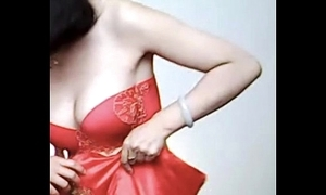 Spycam - the feeling chinese bride win stopped up by photographer - 漂亮的新娘子在影楼试穿婚纱 被影楼老板的偷拍了