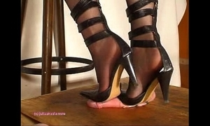 Further down indian shake out julie singla's soles who tramples cock anent heeljob
