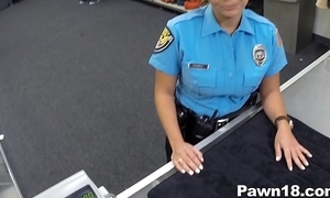 Policewoman comes come into possession of gear-tooth misguide